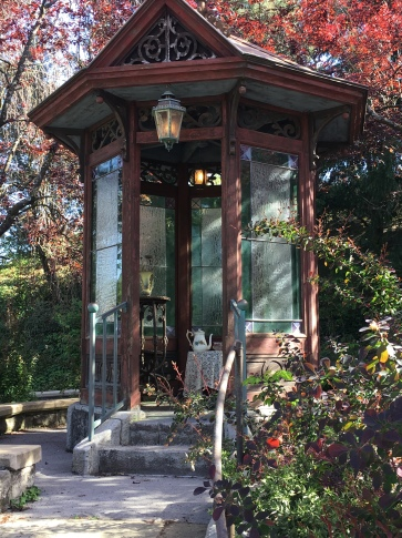 A folly as you ascend to the Paris Haunted Mansion